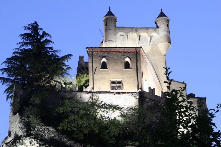 Castelli della valle di aosta for Design hotel valle d aosta